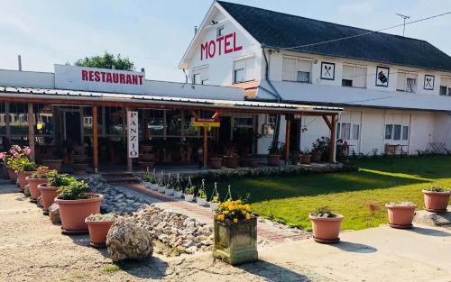 Rozsas Motel, Derecske–Létavértes