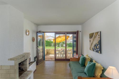 Feels Like Home Vilamoura Bright Villa, Loulé
