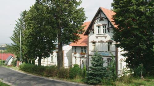 Dom pod Orlimi Skalami, Lubań
