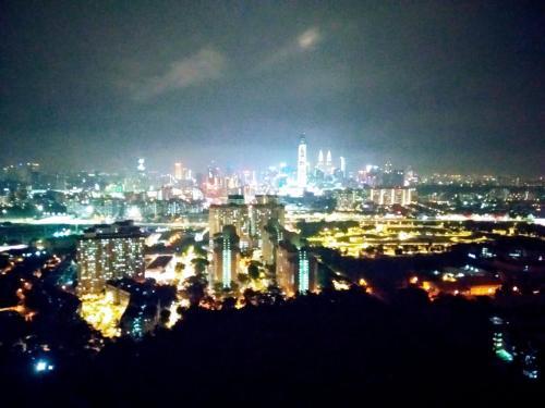 200 sqm condo with KLCC view (room#1 & bath), Kuala Lumpur