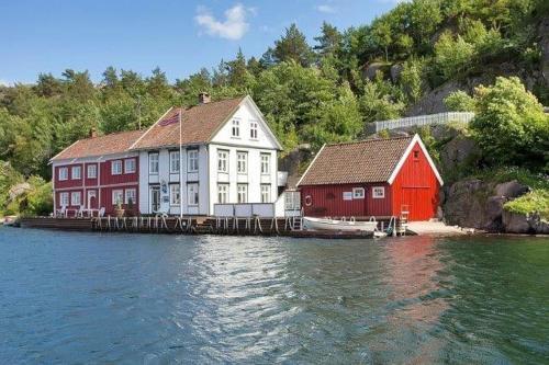 Kapelløya 12, Søgne
