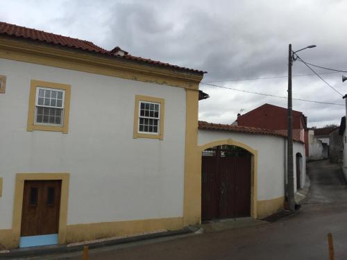 Chapel Square, Vila Nova de Poiares