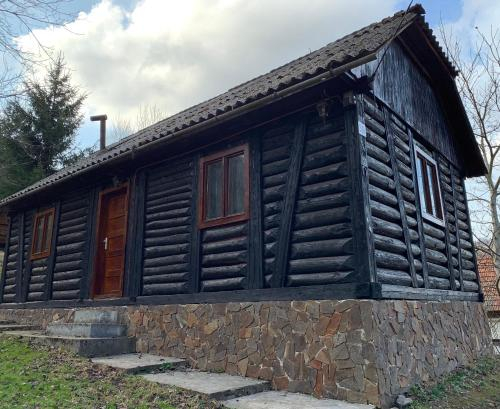 Bega Poieni Fishing Lodge, Pietroasa