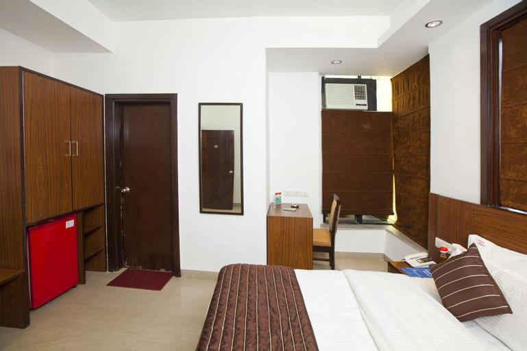 OYO 8761 Hotel Mall View, Gurgaon