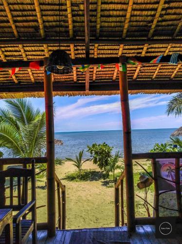 Mecaja Beach House, Roxas