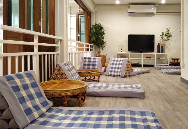 Fun Cafe and Hostel, Bang Rak