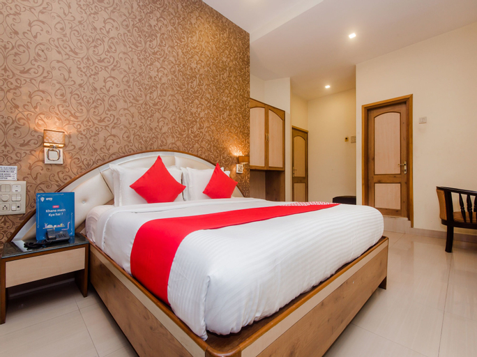 OYO 13105 Hotel Blue Diamond, Thane