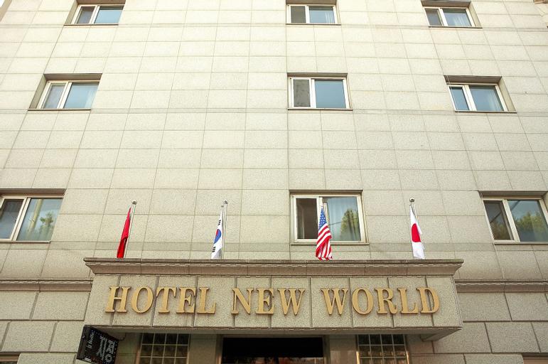 Hotel New World, Jung
