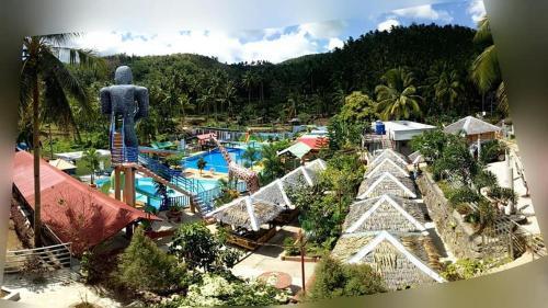 Marienor Mountain Resorts, Naval