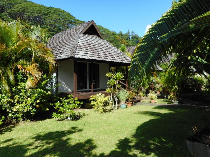 Pueu Village,