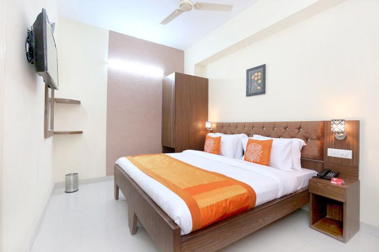 OYO 10891 Hotel Starwood, Sahibzada Ajit Singh Nagar