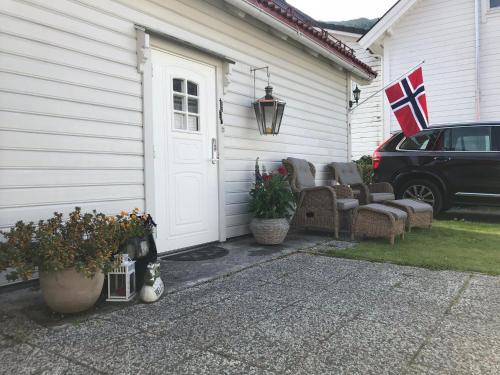 Koselig Landsbyhus i Nordfjord, Eid