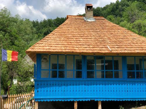 Casa albastra, Livadia