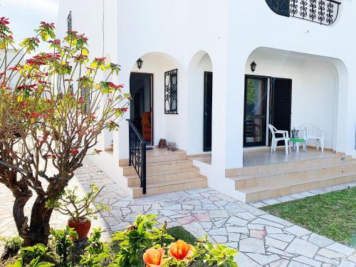 Casa dos Barradas, Lagoa
