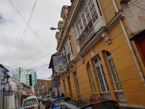 Hotel Repostero, Cercado