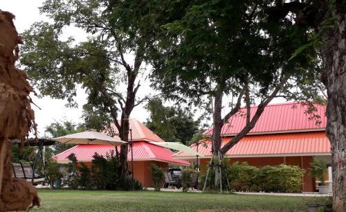 Wapipathum Earthen House, Wapi Pathum