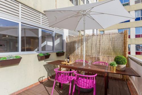 Upscale Flats w Garage & Terrace by Host Wise, Porto