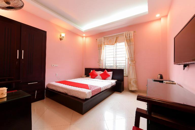 OYO 230 Titanic Hotel near Nam Thang Long Hospital, Từ Liêm