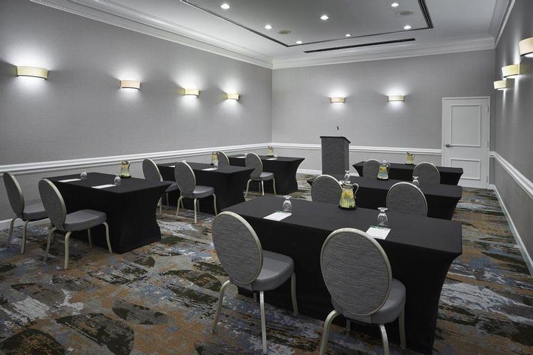 Holiday Inn Hotel & Suites Ale, Alexandria