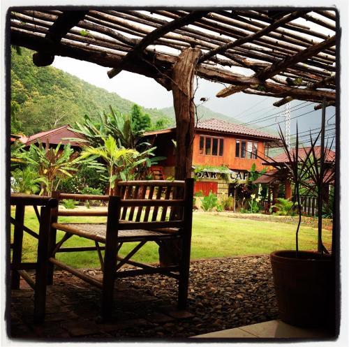 Bar 124 Cafe & Accommodation, Pang Ma Pha