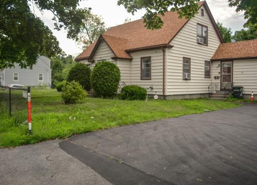Spacious, Comfortable, Private, Affordable, WiFi, AC   TV -, Worcester