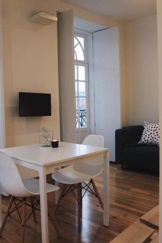 Lost Apartments, Porto