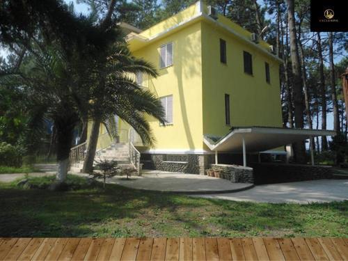 Yellow House in Grigoleti, Lanchkhuti