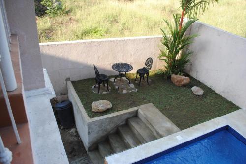 4 BR House with Pool and Billiards @ Terrazas De Punta Fuego, Nasugbu