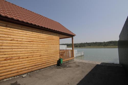 Лазурныи берег, Groznyy