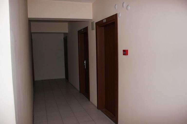 Sezen Otel, Saray