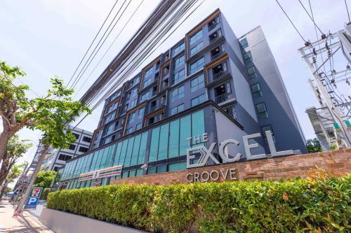 Locals The Excel Groove Bangna, Muang Samut Prakan