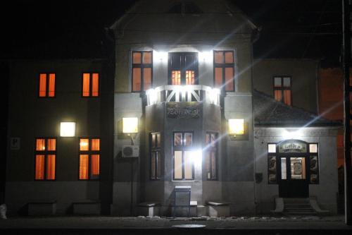 Zori de Zi Guesthouse & Restaurant, Toplet