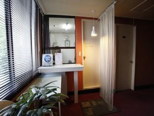 Goodstay Monaco Motel, Dong