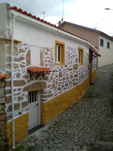Casa da Quelha, Vila Nova de Foz Côa