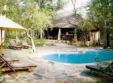 Etosha Aoba Lodge, Guinas