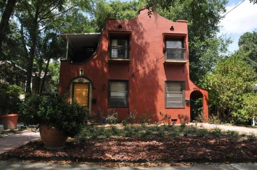 Casa Dauphin, Orange