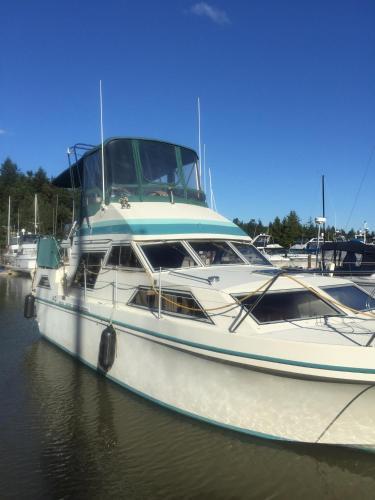 36ft yacht, Skagit