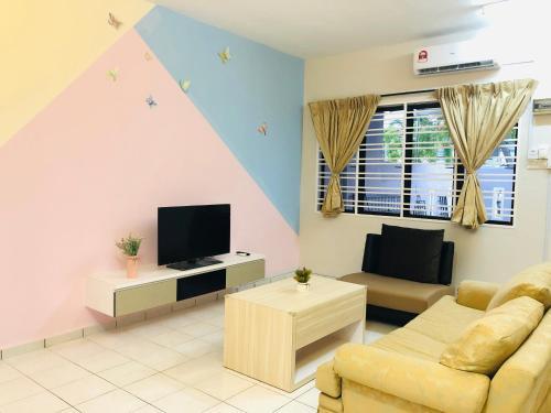 Seri Manjung HomeStay @Spacious Family Home, Manjung