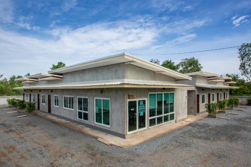 Sun Resort at Sa Kaeo, Muang Sa Kaeo