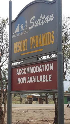 Sultan Hamud Pyramids Resort, Kilome