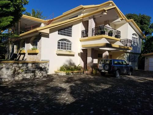 Melanie Estate, Port-au-Prince