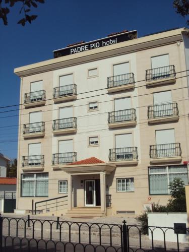 Hotel Padre Pio, Ourém