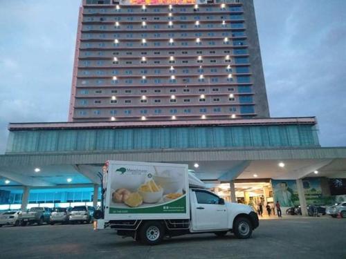 โรงแรมชุมพรแกรนด์ พาเลซ, Muang Chumphon
