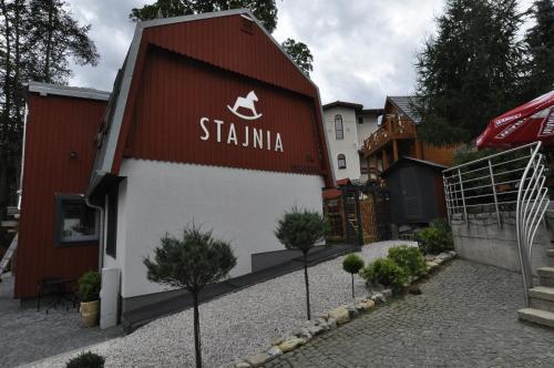 Stajnia, Jelenia Góra