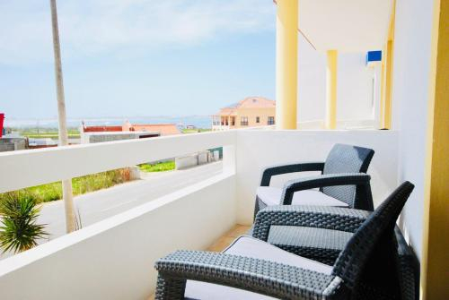 Catarina House - Beachside, Balcony, Pool, Peniche