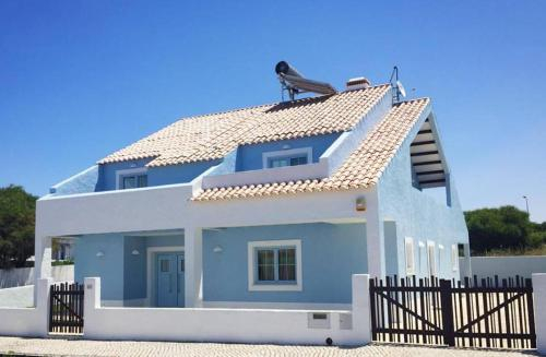 The Blue Residence, Sines