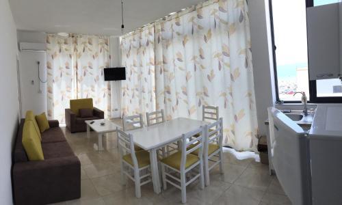Deluxe Apartments, Lezhës