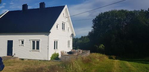Øvrebø, Kristiansand, Vennesla
