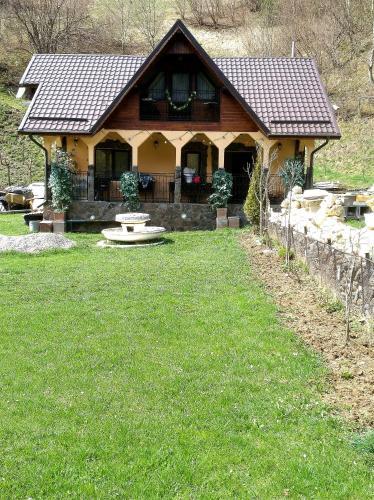 Casa Rania, Rucar