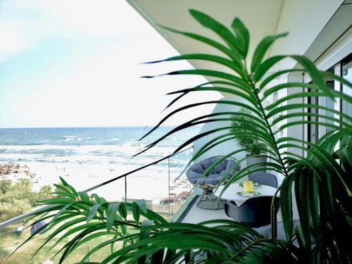 White Tower Mamaia - Private Apartment, Navodari
